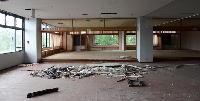 加賀温泉のホテル廃墟:観音温泉ホテル写真_e0171573_21203852.jpg
