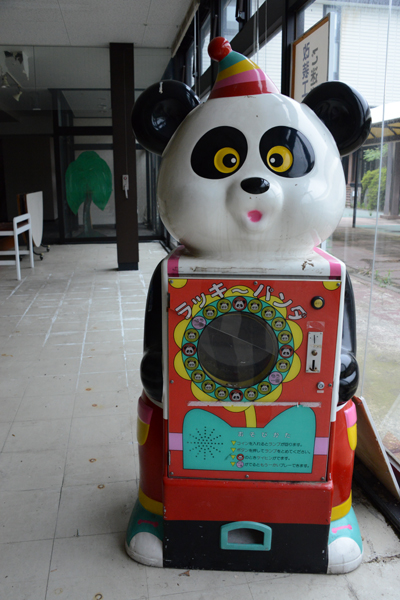 加賀温泉のホテル廃墟:観音温泉ホテル写真_e0171573_21204332.jpg