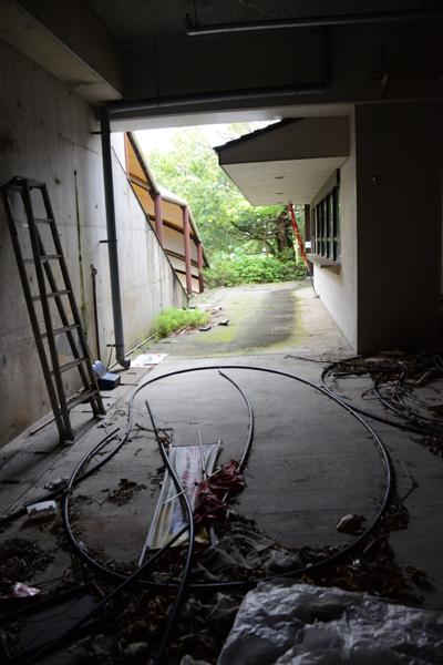 加賀温泉のホテル廃墟:観音温泉ホテル写真_e0171573_21205638.jpg