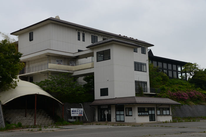 加賀温泉のホテル廃墟:観音温泉ホテル写真_e0171573_2121548.jpg