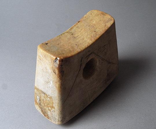 大理石の枕_e0111789_1022744.jpg