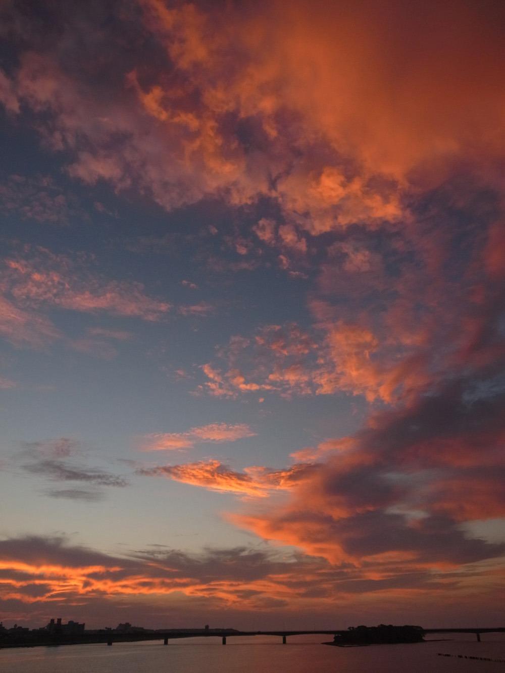 朝の雲 (*^_^*)_c0049299_22304142.jpg