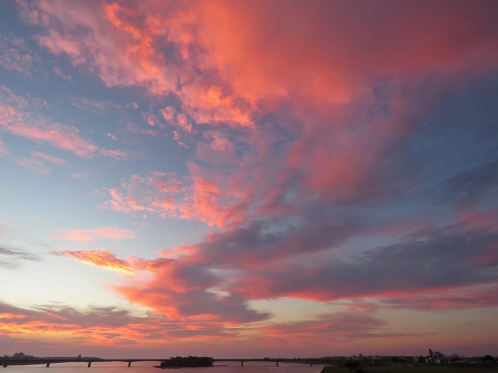 朝の雲 (*^_^*)_c0049299_2234640.jpg