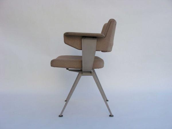 "\""Friso Kramer Office Chair\""ってこんなこと。_c0140560_10292951.jpg"