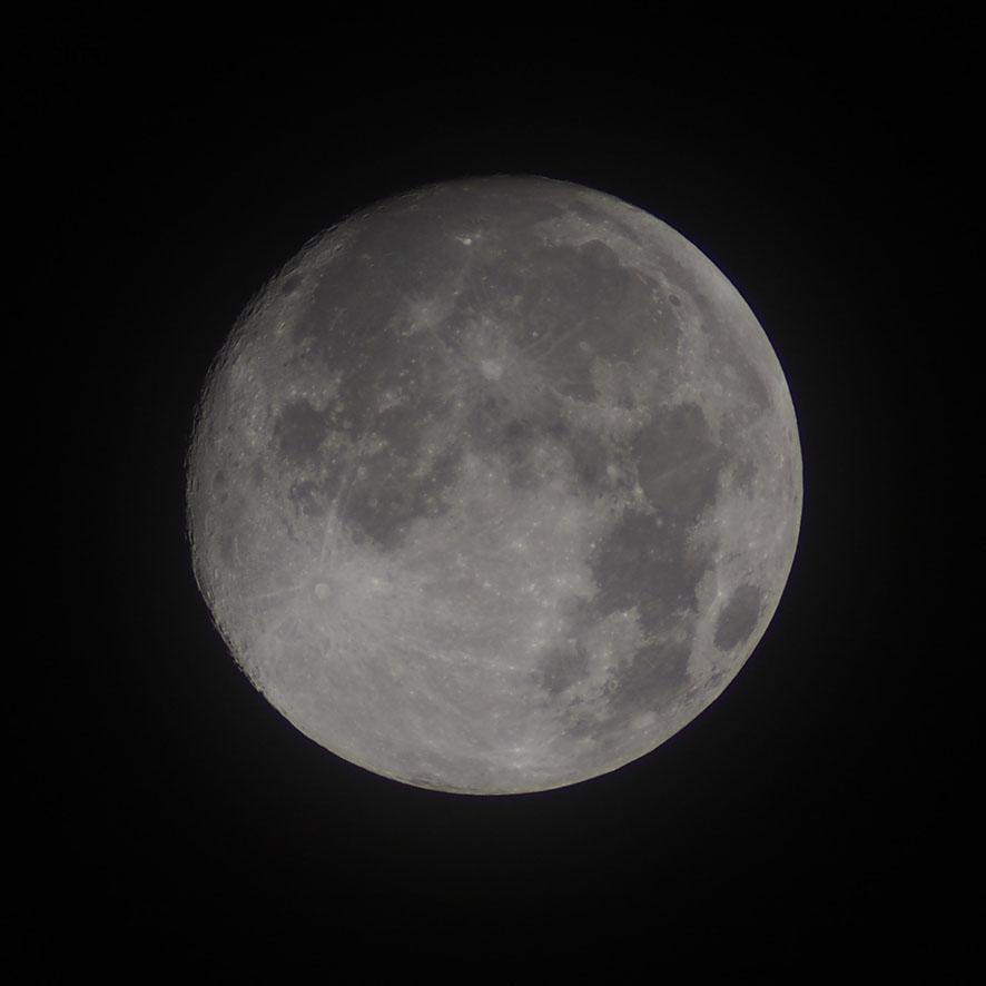 旧盆の月_a0095470_2341068.jpg