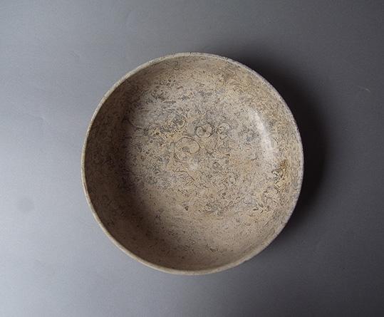 パキスタンの石の器_e0111789_1019281.jpg
