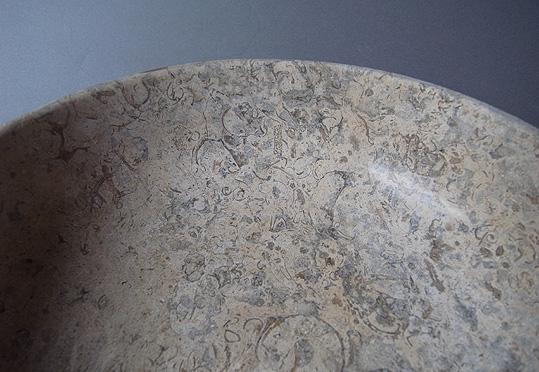 パキスタンの石の器_e0111789_10195353.jpg