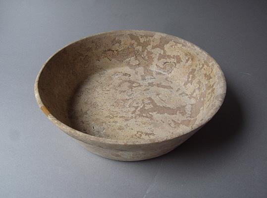 パキスタンの石の器_e0111789_10204710.jpg