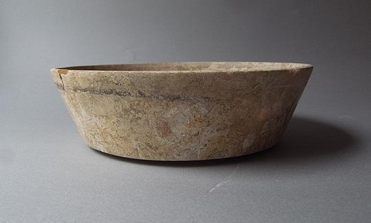 パキスタンの石の器_e0111789_10211511.jpg