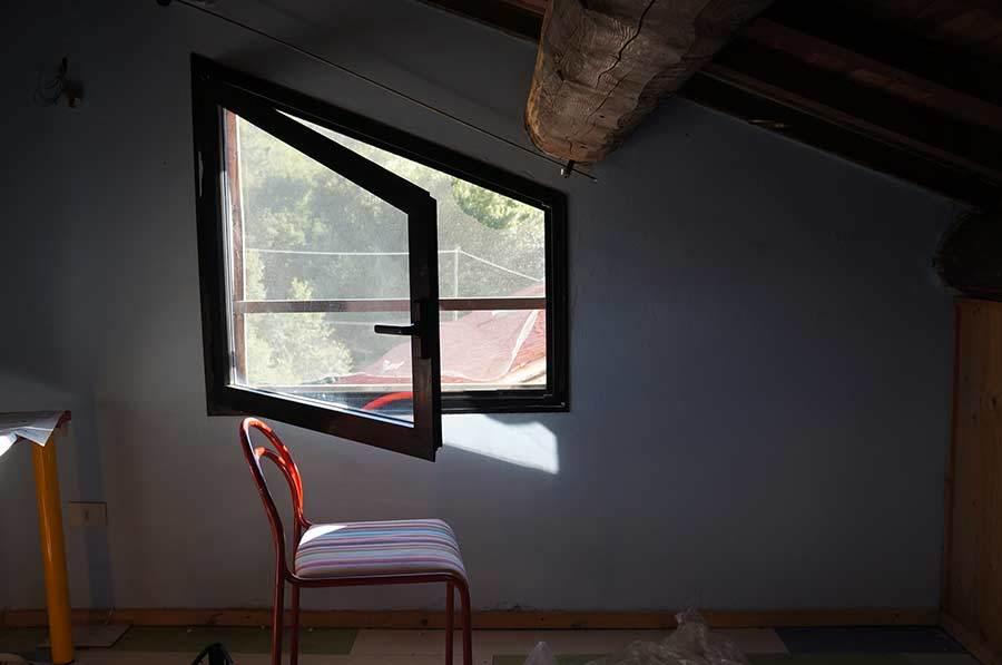 壁の色塗り_f0106597_05595313.jpg