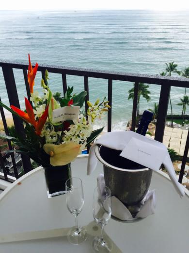 素敵なお花とシャンパンが届きました!_f0215324_04260909.jpg