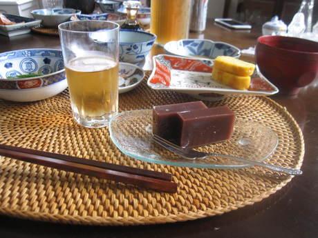 朝ご飯とおじさんの木の剪定_a0279743_13204667.jpg