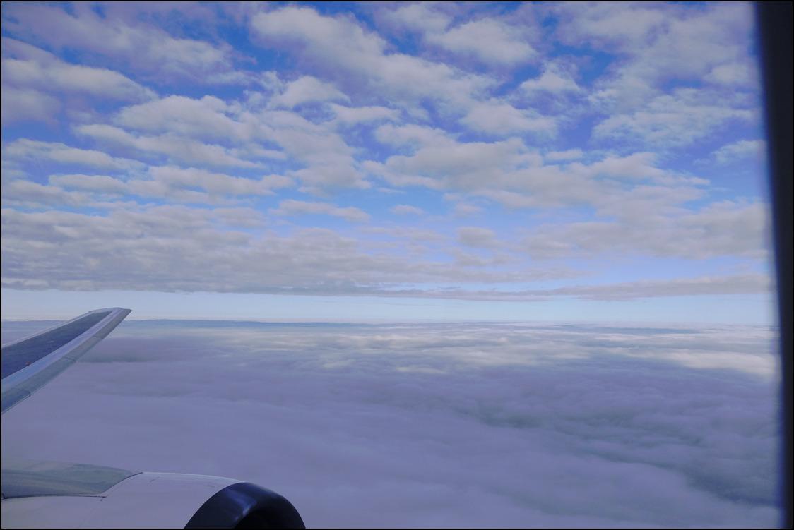 雲海を越えて十三夜の月に迎えられて東京へ_a0031363_2455993.jpg