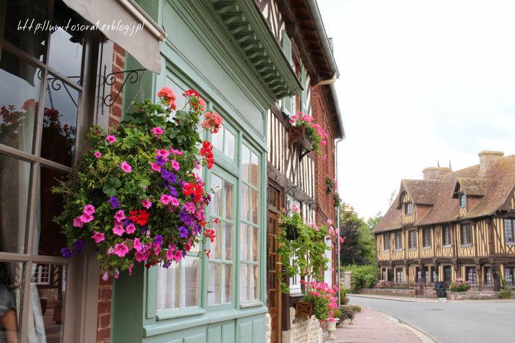 美しい村でランチタイム @フランス_b0324291_01073781.jpg
