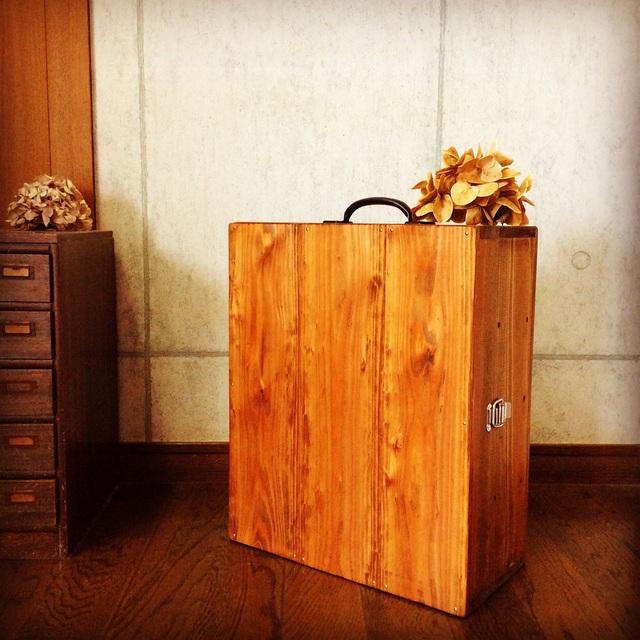 木製キャリーケース。_b0125443_1053225.jpg
