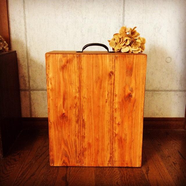 木製キャリーケース。_b0125443_1054116.jpg