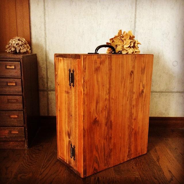 木製キャリーケース。_b0125443_10552413.jpg