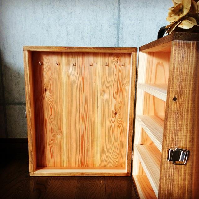 木製キャリーケース。_b0125443_1115518.jpg