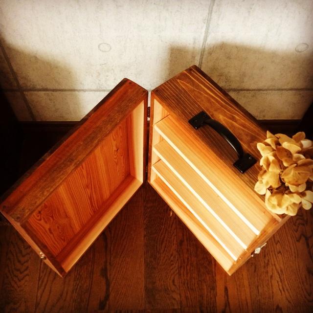 木製キャリーケース。_b0125443_1124516.jpg