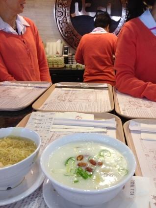 香港でのトランジットの時間のお食事のおすすめは_a0163160_14323174.jpg