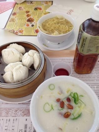 香港でのトランジットの時間のお食事のおすすめは_a0163160_14332001.jpg
