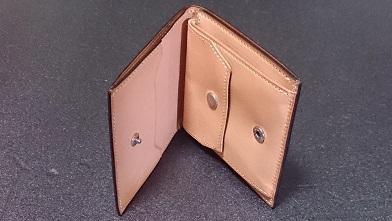 万双の二つ折り財布エイジング報告(2年) 『万双』ブライドルミニ財布(ダークグリーン)_c0364960_14001296.jpg