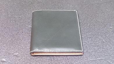 万双の二つ折り財布エイジング報告(3ヶ月) 『万双』ブライドルミニ財布(ダークグリーン)_c0364960_14001540.jpg