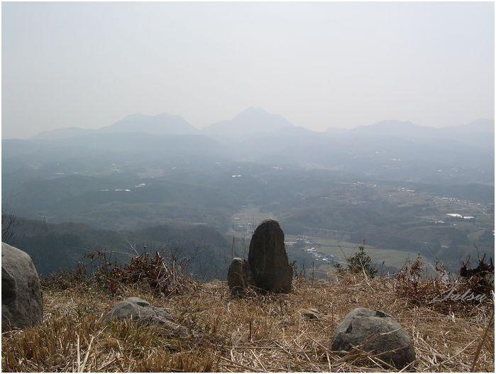 安心院 米神山の巨石群_c0222861_21232614.jpg