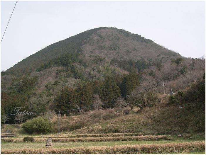 安心院 米神山の巨石群_c0222861_21234653.jpg
