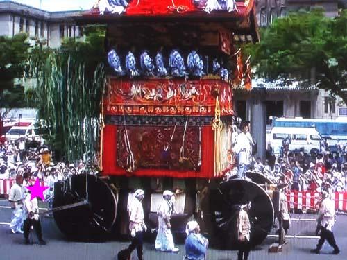 テレビと横浜で見たこと_f0211178_140752.jpg
