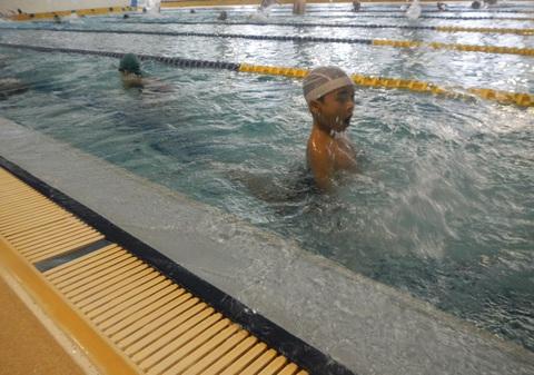 上手に泳げるかな?_b0286596_1839289.jpg