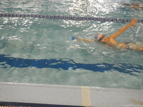 上手に泳げるかな?_b0286596_18435087.jpg