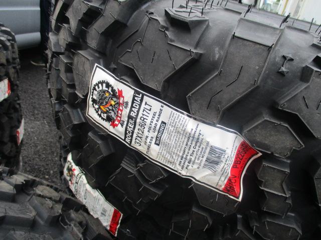 ラングラー 用に 本国 オーダー パーツ  ピットブル タイヤ など 入荷しました^^_b0123820_9372228.jpg