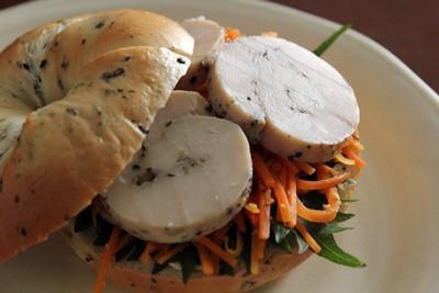 黒ごまミニ食パンで、小さなサンドイッチ!_a0165538_12241889.jpg