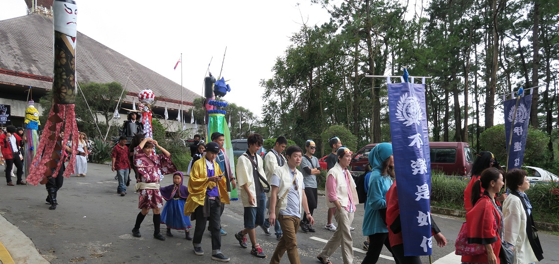 BAGUIO DAY PARADE 2015 バギオ市制106周年記念パレードに伊達政宗と七夕飾りが参加_a0109542_1726820.jpg