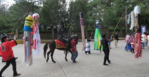 BAGUIO DAY PARADE 2015 バギオ市制106周年記念パレードに伊達政宗と七夕飾りが参加_a0109542_17444714.jpg