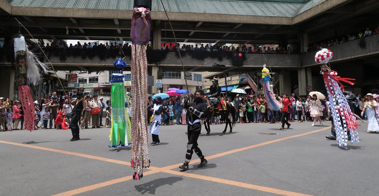 BAGUIO DAY PARADE 2015 バギオ市制106周年記念パレードに伊達政宗と七夕飾りが参加_a0109542_1853639.jpg