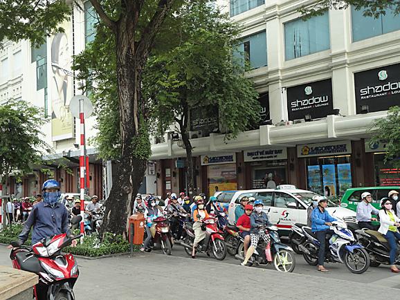 ホーチミン その5 朝食とサイゴン大教会&中央郵便局_e0230011_17553317.jpg
