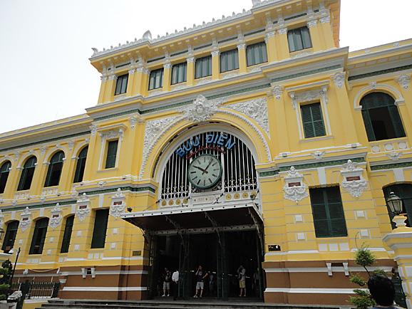 ホーチミン その5 朝食とサイゴン大教会&中央郵便局_e0230011_18393.jpg