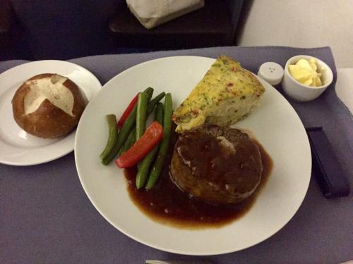 15年夏休みハワイ  1★今回もUAの機内食は…_d0285416_19564532.jpg
