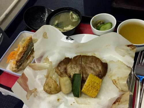 15年夏休みハワイ  1★今回もUAの機内食は…_d0285416_19564647.jpg
