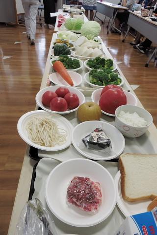 食材を量り、TPOを図る……。_d0046025_15581834.jpg