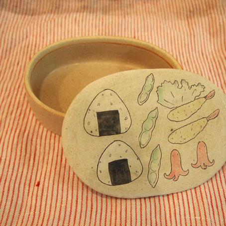 大野素子さんのお弁陶箱、たこさんウインナー_b0322280_1826436.jpg