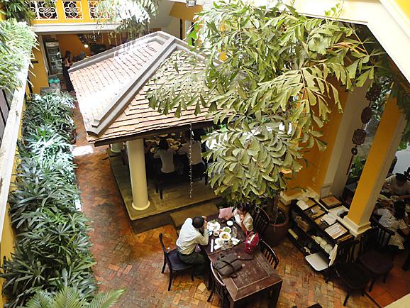 ホーチミン その6 戦争証跡博物館&ニャーハン・ゴンでランチ_e0230011_17543476.jpg