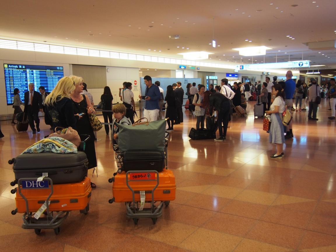 海外客が羽田でレンタカーを利用するまでの流れとは_b0235153_1701486.jpg