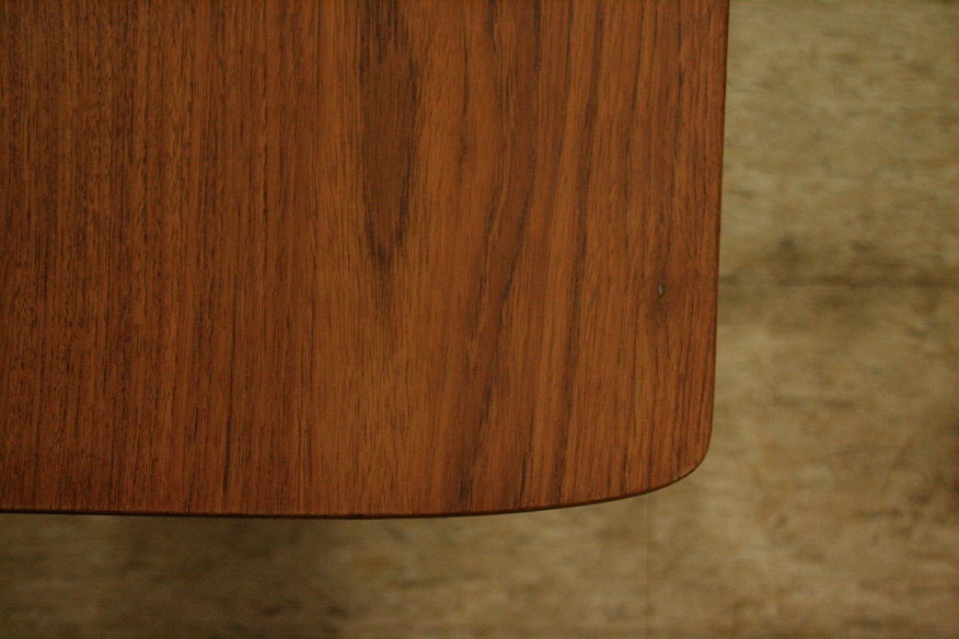 『OttomanとSolid Side Table』_c0211307_15432984.jpg