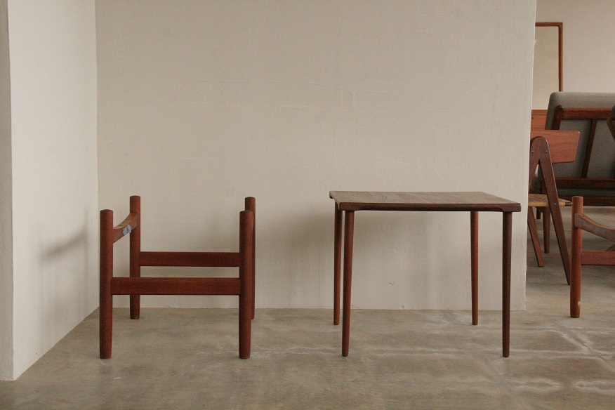 『OttomanとSolid Side Table』_c0211307_15434532.jpg