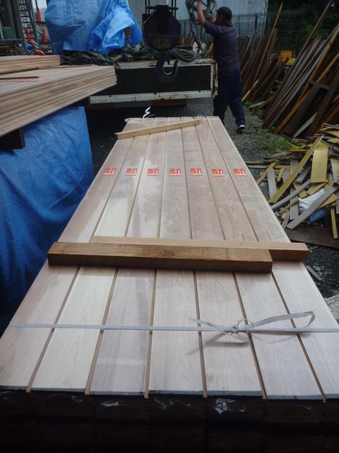 木材搬入_f0066533_19145470.jpg