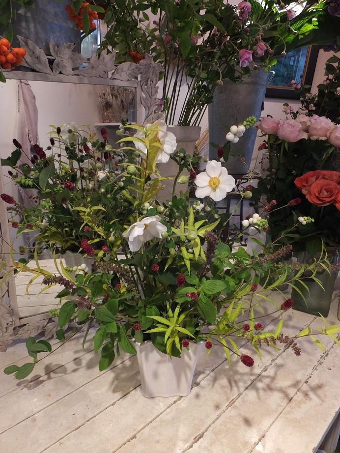 オークリーフ花の教室(赤地さんと宮原さんの作品)_f0049672_17533737.jpg