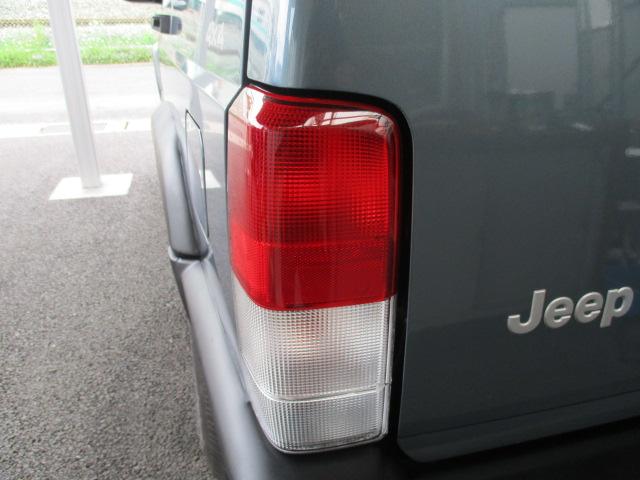 XJ チェロキー  マイナーチェンジ後 中古車 女性のお客様に、ご契約いただきました。_b0123820_16492818.jpg